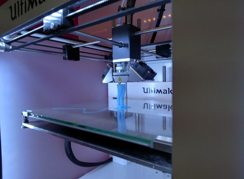 3D printer making a figurine